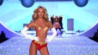 Top 10 Best Walks at the Victoria's Secret Fashion Show OPENINGS