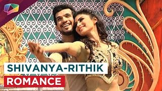 download lagu Arjun Bijlani And Mouni Roy Romance On 'gerua' Song gratis