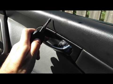 Nissan Primera P12 - strange lock noise