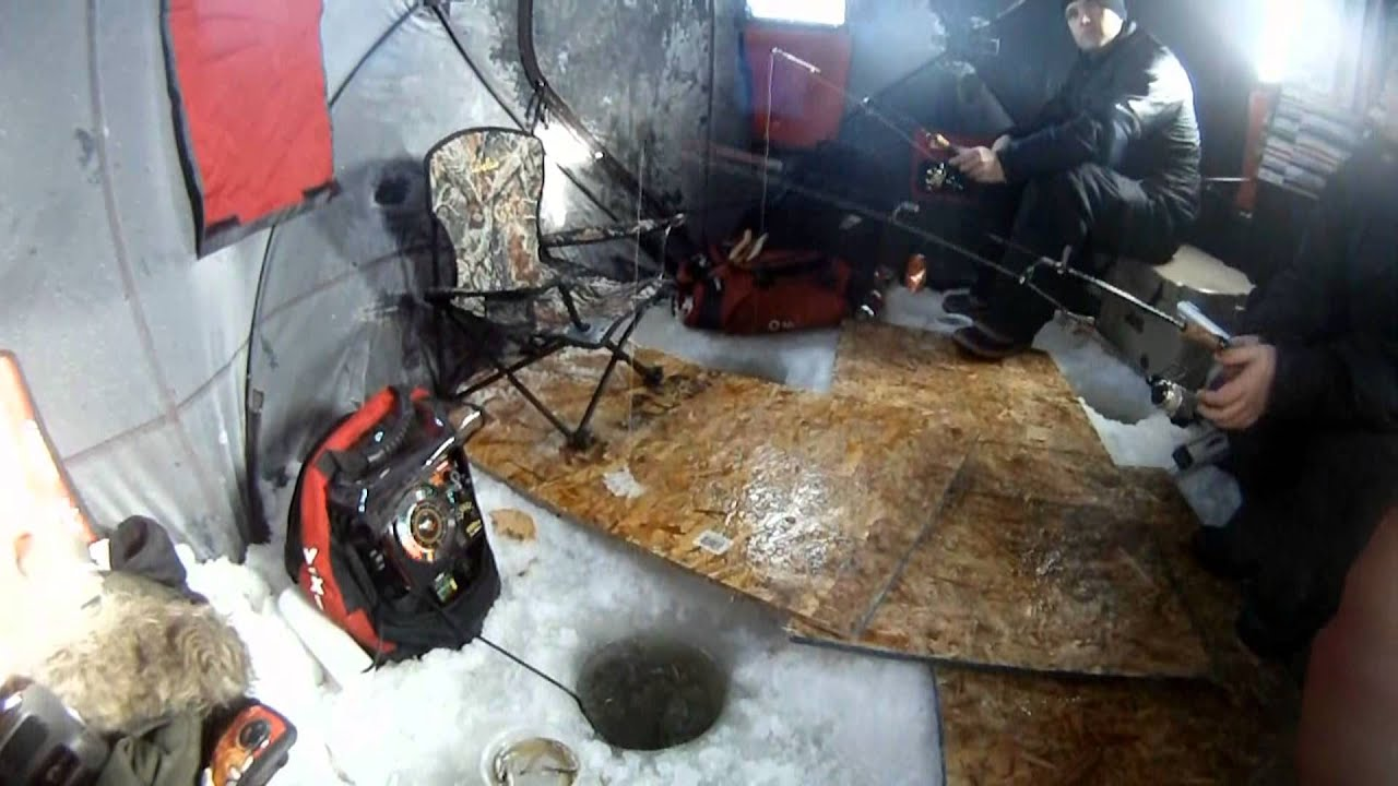 Ice fishing lake winnipeg trip 1 of 2013 youtube for Lake winnipeg fishing report