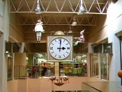 Clock of Jusco store - Ibaraki (Osaka)  茨木市のジャスコの時計(大阪,日本)