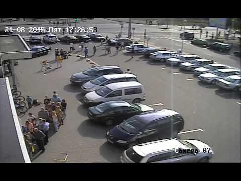 Девочки на велосипеде попали под машину