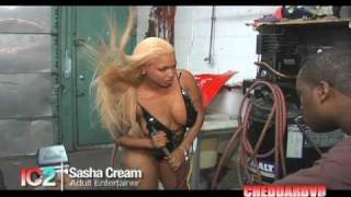 INDUSTRY CHICKS 2 TRAILER WWW.CHEDDARDVD.COM