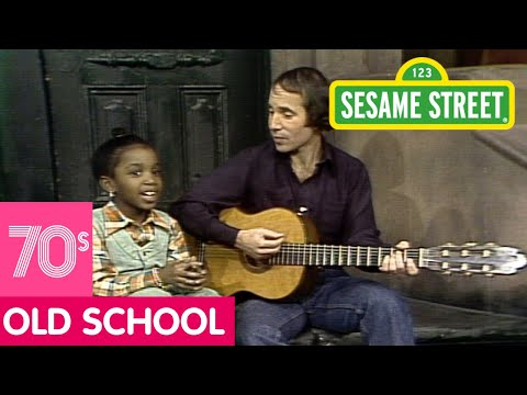 Sesame Street: Paul Simon Sings Me & Julio Video