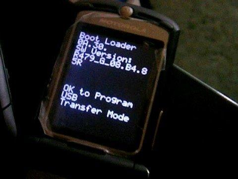 Installing A DRM Set Into A Motorola RAZR V3i