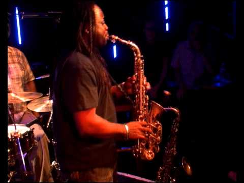 Poogie Bell @ Live at Duc des Lombards
