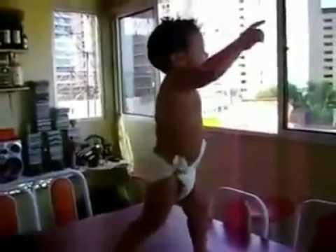 SHAKIRA - WAKA WAKA DANCING BABY