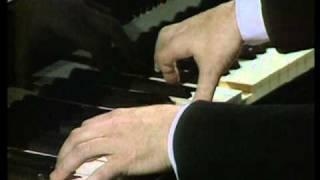 Schubert - Piano Sonata in B Flat Major, D. 960 Second Movement (Andante sostenuto) - Alfred Brendel