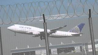 United Planes Takeoff from Hong Kong