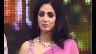 Download video Sridevi gives Lifetime Acheivement Award to Ramanaidu at an Awards event in Hyderabad.mp4