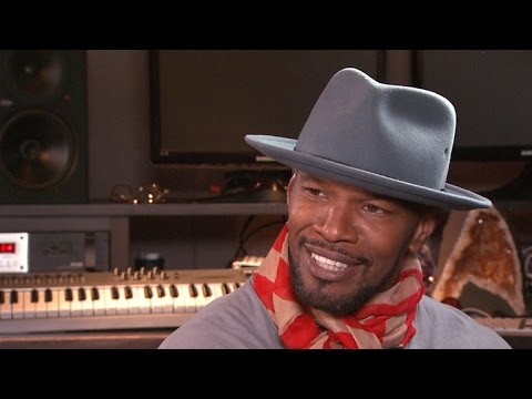 Jamie Foxx Sets Record Straight on Katie Holmes Dating Rumors