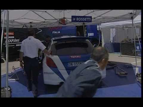 Luca Rossetti al volante della Peugeot 308 GT