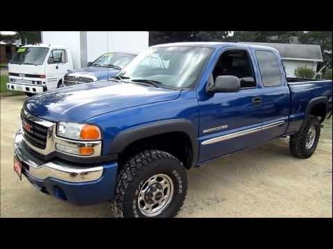 2003 GMC SIERRA 2500HD Start up. walk around tour and review