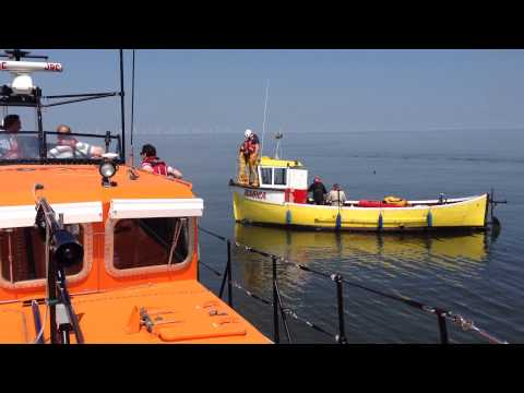 RNLI Skegness lifeboat rescues fishing boat Jessica, 17 May 2014 (HD)