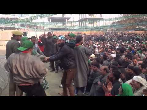 qazI mohammad afzal supporters welcoming mufti Sayeed at eidgah ganderbal