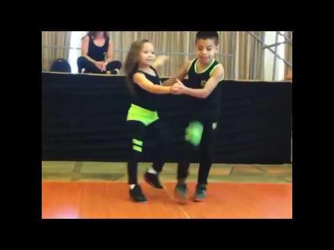 Estos niños sorprendieron al mundo entero bailando Salsa
