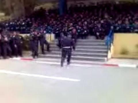 policia bailando