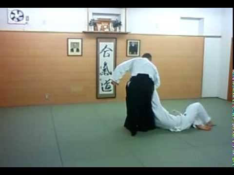 合気道 合気塾 逆半身 片手取り 腰投げ-01 aikido gyakuhanmi katatedori koshinage-01