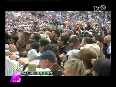 Prima della Messa di Papa Francesco in Sardegna