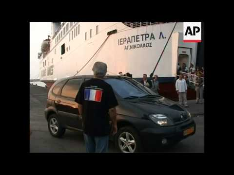 French leave Beirut by ferry; de Villepin meets evacuees