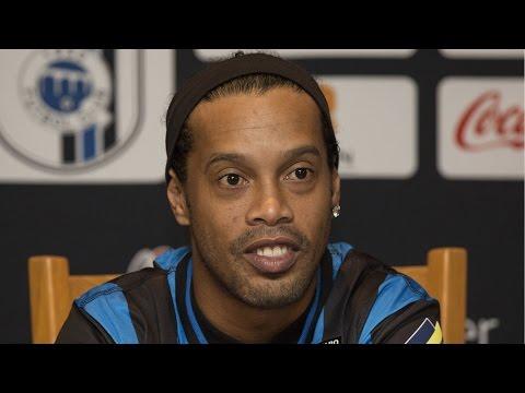 Polémicos comentarios en contra de Ronaldinho en México