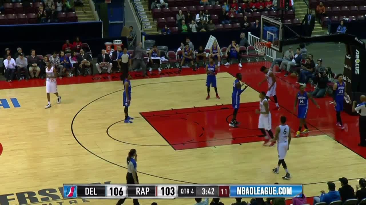 Ronald Roberts posts 22 points & 9 rebounds vs. the 87ers, 11/29/2015