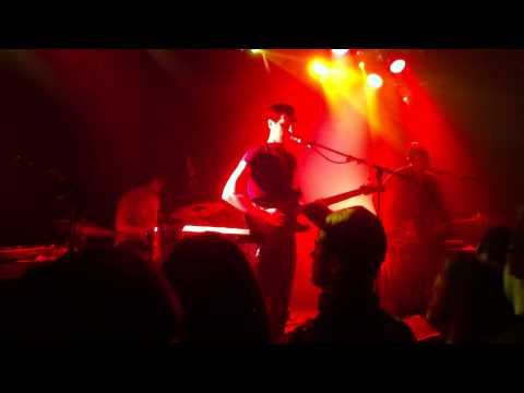 Wave Machines 'Keep The Lights On' - Live @ La Maroquinerie (18-10-2012)
