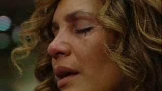 Benny Hinn sings 'GLORY TO THE LAMB' (2009)