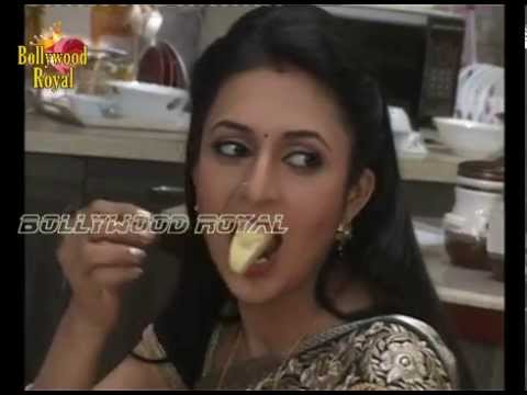 On Location of TV Serial Yeh Hai Mohabattein Ishita is cooking...