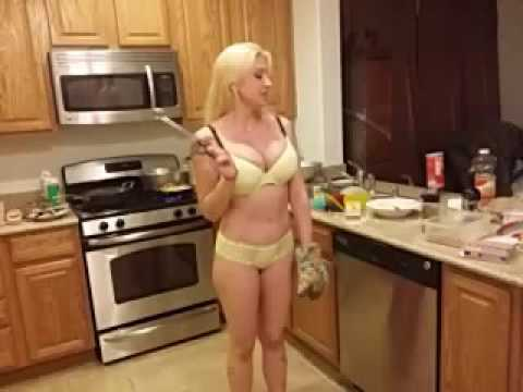 Charming pornstar Leya Falcon prefer spreading ass on camera № 896164 бесплатно
