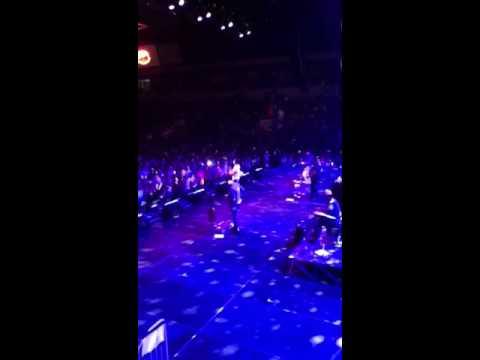 Dierks Bentley - Here On Earth