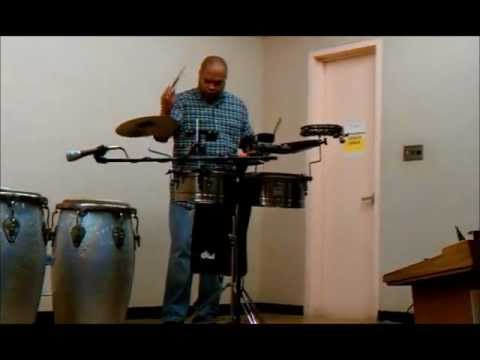 Jamaica Drum Jam: Geraldo Flores introductory demonstration