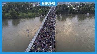 Duizenden vluchtelingen zijn samen onderweg naar Amerika