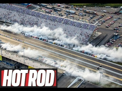 Unofficial World's Largest Burnout! 73 Cars at HOT ROD Power Tour 2013
