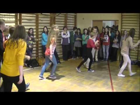 Taneczne Przerwy W Gimnazjum Nr 7 Im. K.I. Gałczyńskiego W Częstochowie