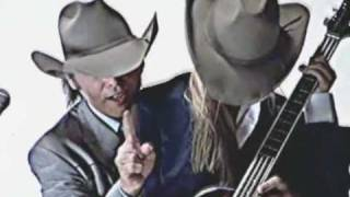 Watch Dwight Yoakam Blame The Vain video