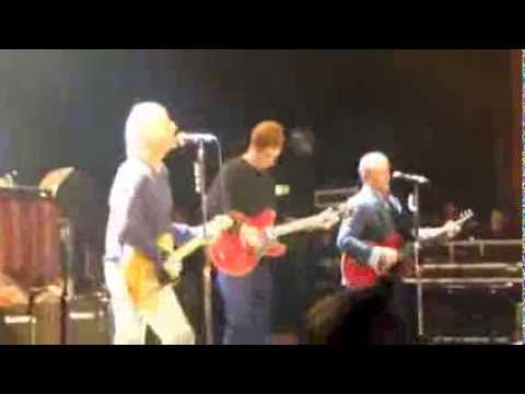 Paul Weller & Bradley Wiggins 'That's Entertainment' @ Hammersmith Apollo