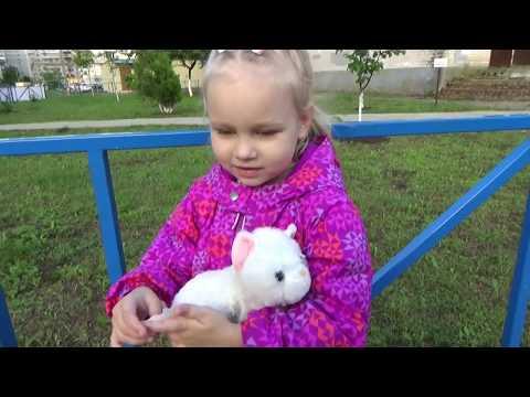 Алиса снова БЕСИТСЯ !!!! Как Алиса ходит на развивающие занятия ВЛОГ для детей