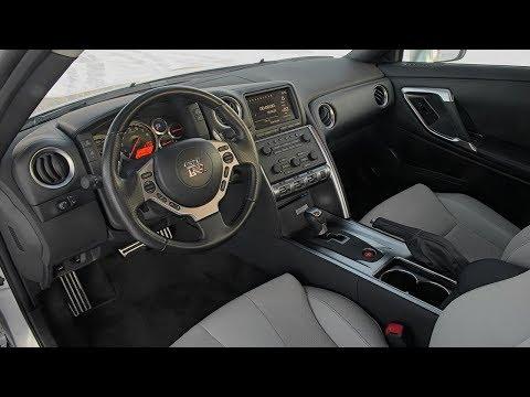 Обзор Nissan GT-R — Интерьер