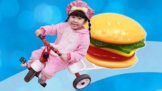 BeBun Pretend Play w/Gummy Burger Delivery Drive Toy Store | Trò Chơi Giao Hàng Nhanh
