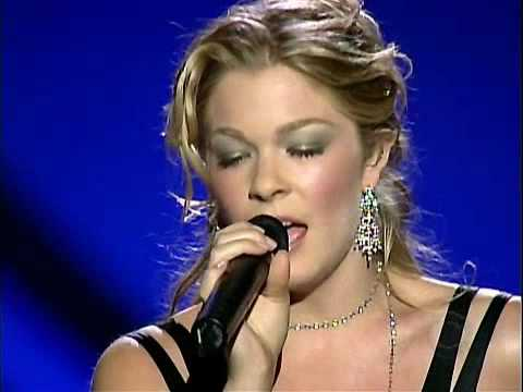 Leann Rimes - Love Is An Army