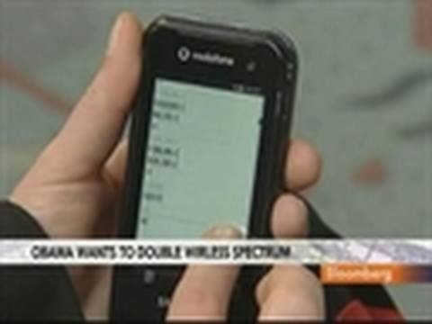 Obama Proposes to Double Airwaves for Mobile Web Access: Video