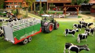 COWS BACK HOME BY FARM Rc TRACTOR - rc toys & animal toy video for kids