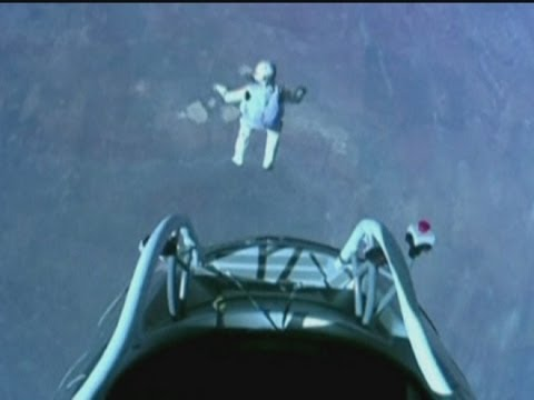 Space jump: Felix Baumgartner skydives 24 miles above Earth