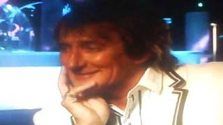 Rod Stewart is thirsty for YOUR shandy!