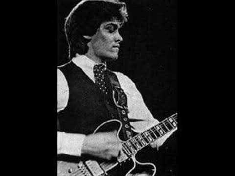 Bill Nelson Glow World (Mick Karn on Bass)