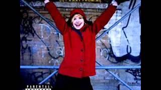 Watch Nellie Mckay Manhattan Avenue video