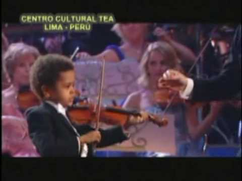 AKIM KAMARA  (5 años) Music Videos