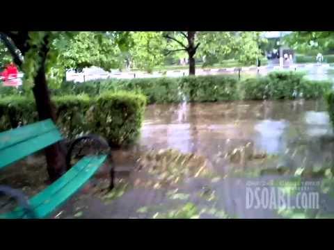 Ураган в Комсомольске 14.06.2012 года. Всё в Ютубе будет.