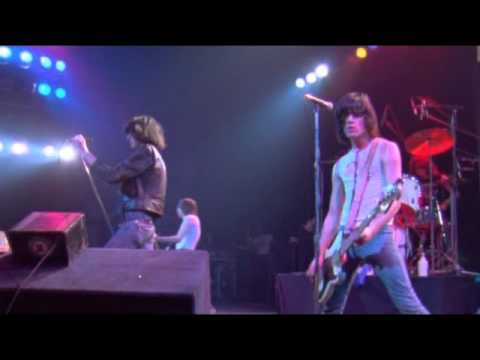 Ramones - It's Alive The Rainbow Full Concert (1977)